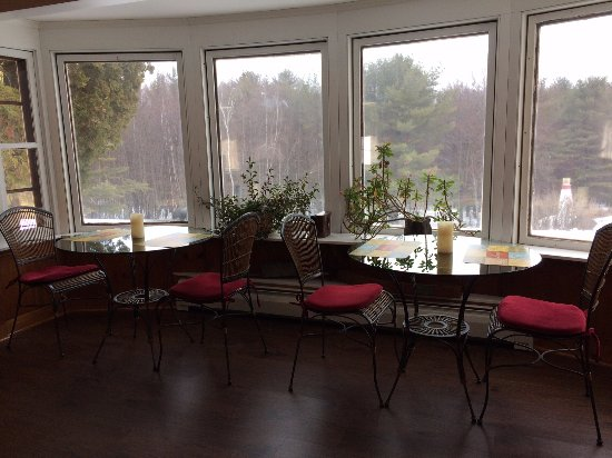 Laconia, NH: Breakfast area