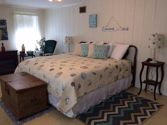 Laconia, NH: Coastal Room - King Bed
