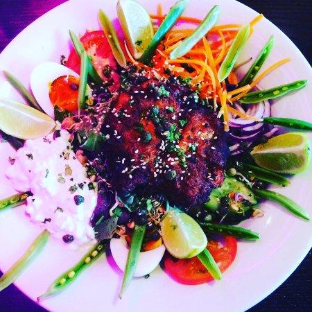 Par, UK: Skinny kitsch salad