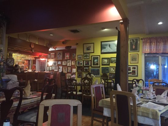 Staunton, VA: Restaurant and dining areas