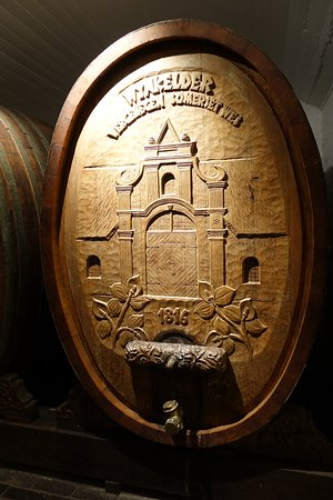 Bergkelder: carvings on the wine barrels