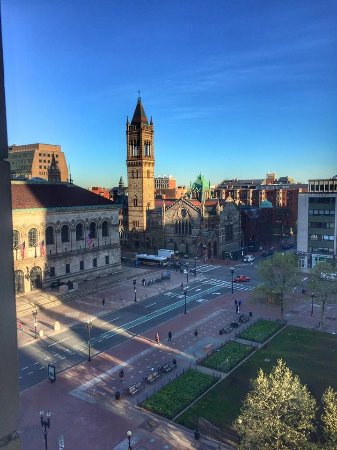 Fairmont Copley Plaza, Boston: Copley Square from our room! Phenomenal!!