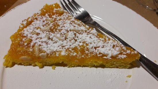 Ristorante Taverna del Grappolo Blu: torta al limone