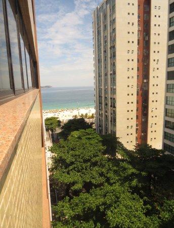 Golden Tulip Ipanema Plaza: Desde Piso 9, sin molestias del tránsito ni de habitaciones vecinas