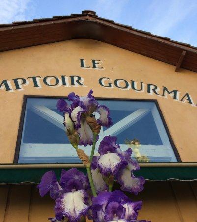 Mirepoix, Frankrike: façade