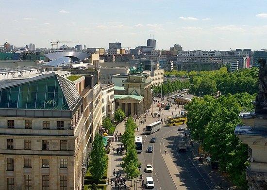 Das Käfer Dachgarten-restaurant Befindet Sich Auf Dem Historischen ... Gemusegarten Auf Dem Dach