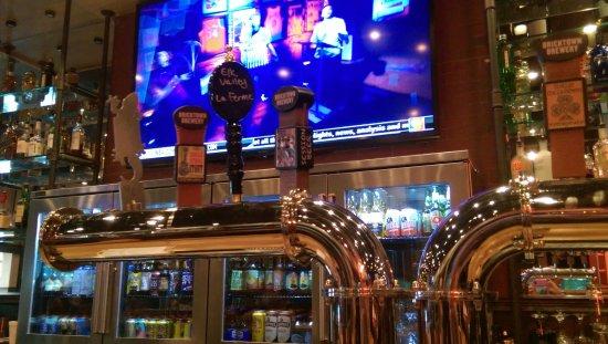 Edmond, OK: Bar