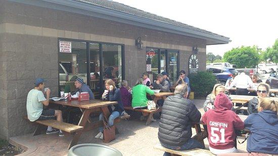 Bronco Burger: Outside Eating Area