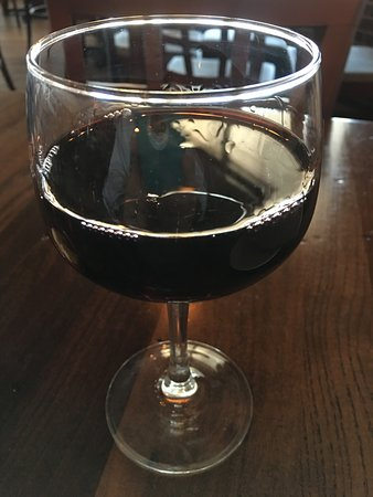 Arlington Heights, IL: Red Wine