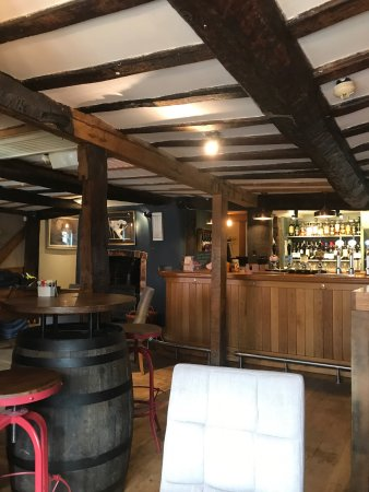 Ledbury, UK: Lovely quaint pub in Ledbury staff are friendly and food was lovely highly recommend