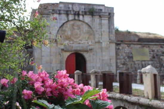 Aldea del Obispo, España: Entrada al hotel