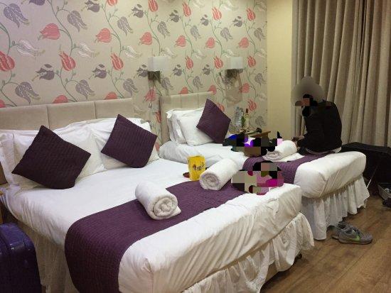 The George Hotel: トリプルルームはロンドンにしては十分何枚広さ