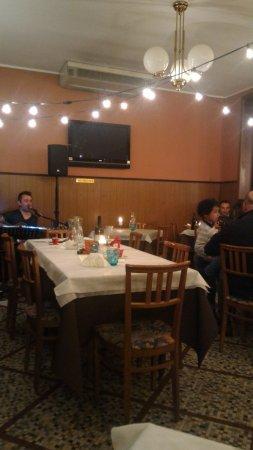 Cadeo, Italy: P_20170512_225615_1_p_large.jpg