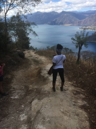 Santa Catarina Palopo, Guatemala: Going down the mountain