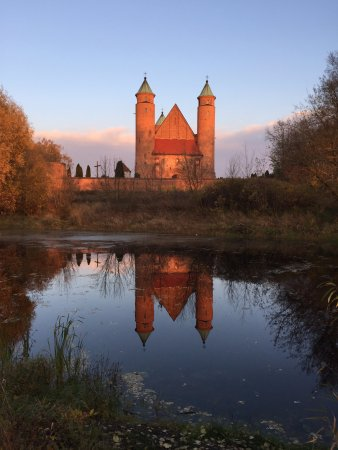 Brochow, بولندا: Eglise fortifiée du XVIe siècle. Brochów