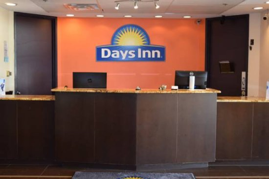 Days Inn by Wyndham Sherman