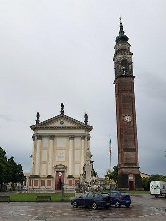 Loria, Italie : La chiesa di San Giovanni Battista