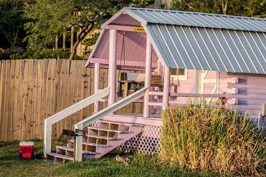 Lillian, AL: Our pink cabin at sunrise.