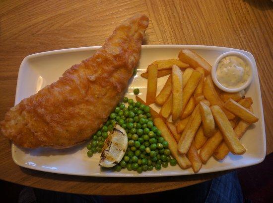Skelmersdale, UK: Fish and Chips.
