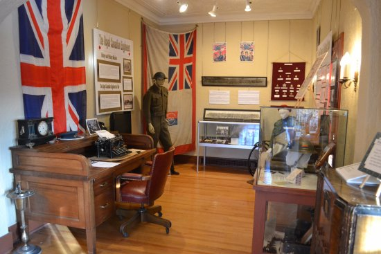Kirkland Lake, Canada: The Military Wing, with Sir Harry's desk, standing ash tray and radio.