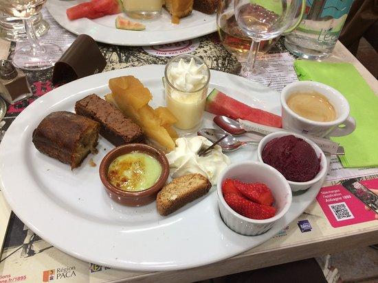 Aubagne, França: Café gourmand