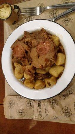 Forneria Santa Filomena: nhoc com carne assada