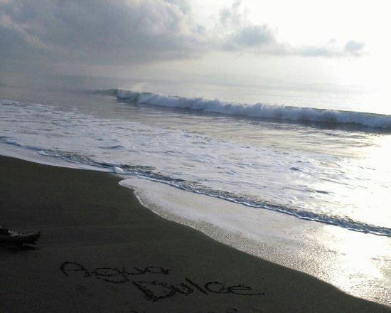 Agua Dulce Beach Resort: Playa Preciosa
