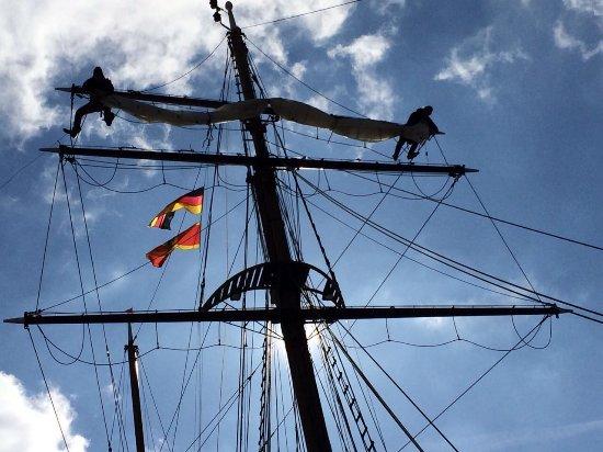 Greifswald, Tyskland: Weisse Düne Bootsmann und Decksmann bei der Arbeit