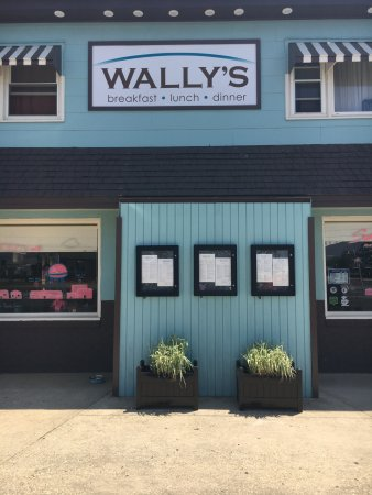 Surf City, Nueva Jersey: Wally's New Exterior Up Close