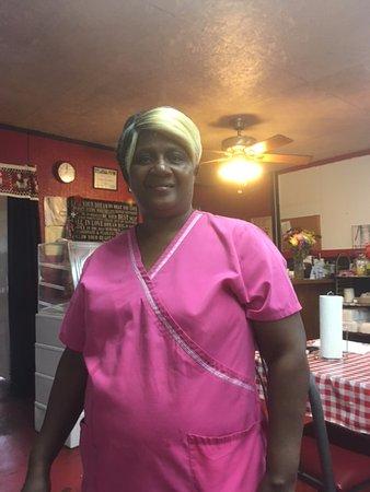 Τζάκσονβιλ, Τέξας: Ms. Sylvia Mae - proprietor and hostess.