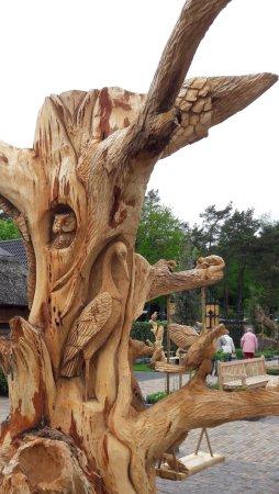 Garderen, Países Bajos: Mooie hout sculpturen