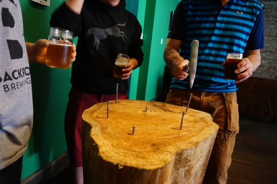 Nelson, Canada: beerhall games
