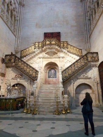Catedral de Burgos: la escalera interior, muy interesante!
