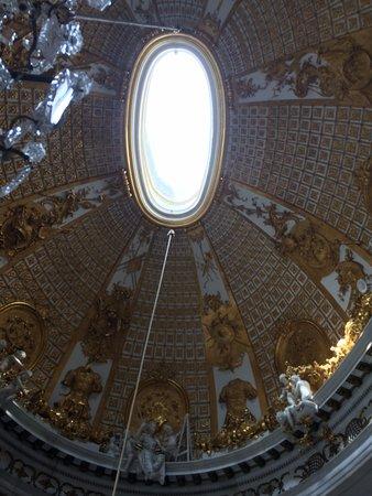 Sanssouci Palace: Oval window light