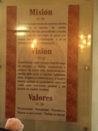 The Jonathon: Este Cartel de Mision, Vision y Valores esta en Recepción, los responsables lo habrán leído ??
