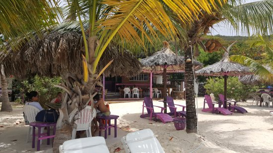 Clifton, Union Island: Sparrow's Beach Club