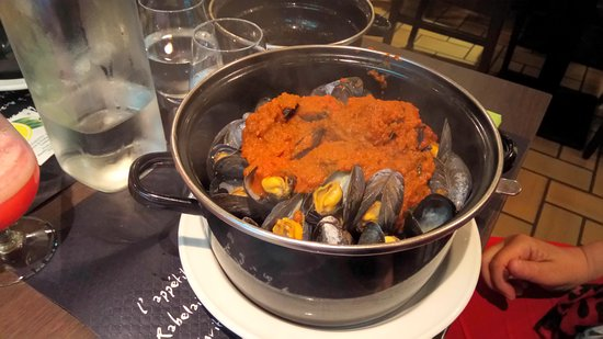 Camiers, France: moules sauce curry