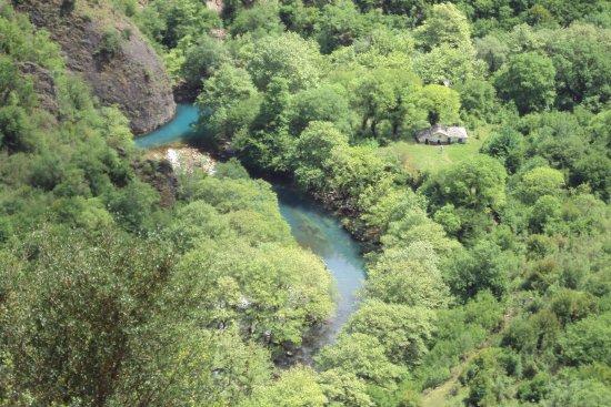 Voidomatis River: Πηγές ποταμού Βοϊδομάτη & Μονή Παναγιάς Βίκου, 10.05.2017 (πεζοπορία 50΄+ 50΄, μέτριας δυσκολίας