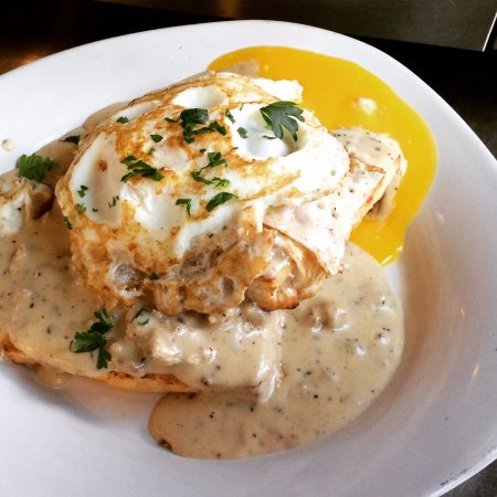 Wenatchee, WA: Biscuits and Gravy