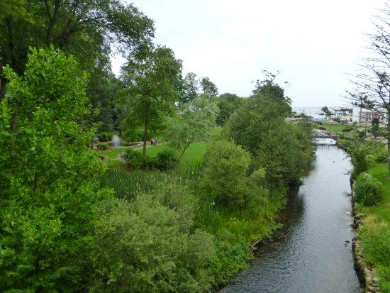 Brewster Gardens: View From WW1 Memorial Bridge