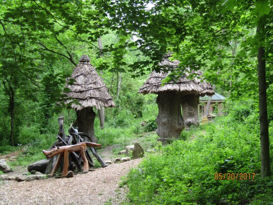 Oakdale, PA: Super cool fairy houses, dwellings made from tree stumps, and artwork. A fun surprise in the for