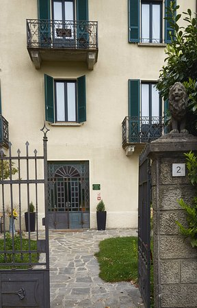 San Fedele Intelvi, Italia: Villa San Fedele front entrance