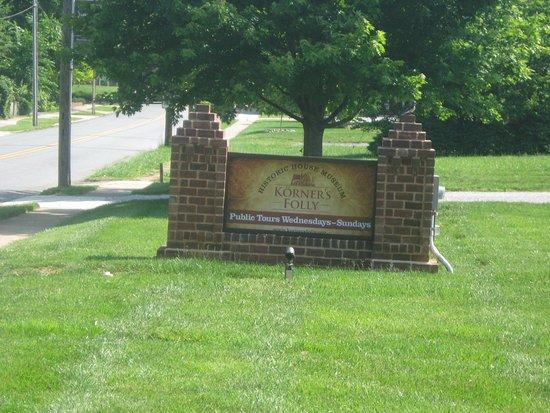 Kernersville, NC: sign