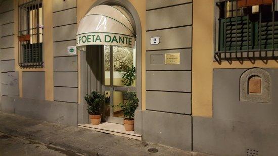 Hotel Il Poeta Dante: Frente de El Poeta Fante