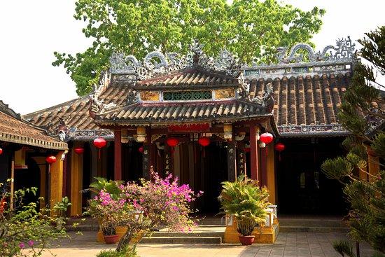 Dinh Cam Pho (Cam Pho Communal House)