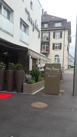 Wallisellen, Swiss: Restaurant-Aussenansicht