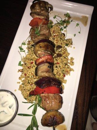 Hamptons Bar & Grill Steakhouse: photo1.jpg