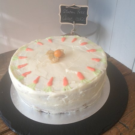 Ditchling, UK: Carrot cake .... Always popular... Gluten free available too