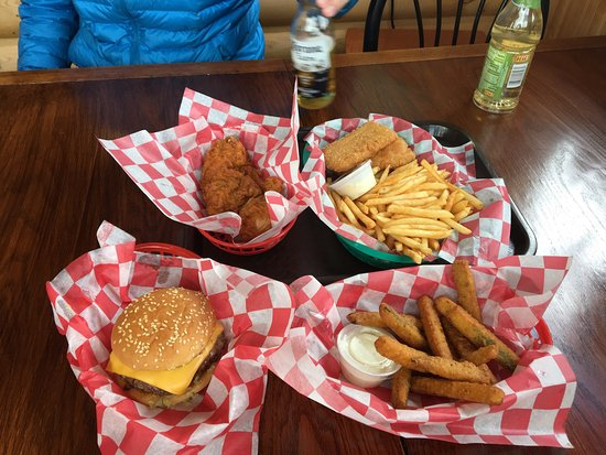 Sloopy's Grill: photo0.jpg