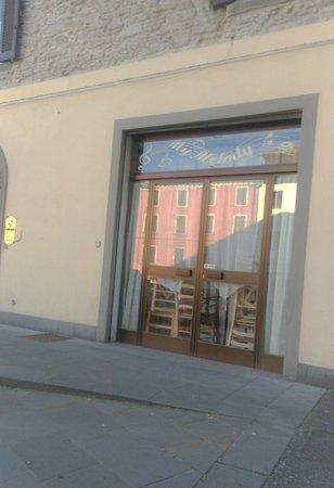 Castiglione Dei Pepoli, Italy: il bar da fuori